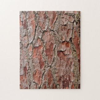 Puzzle Corteza en un árbol de pino