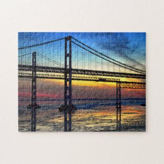 Puzzle Desconcertado sobre el puente de la bahía de