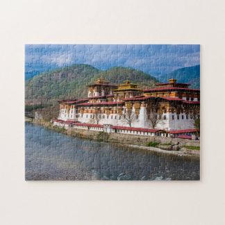 Puzzle Edificio de Dzong por el río