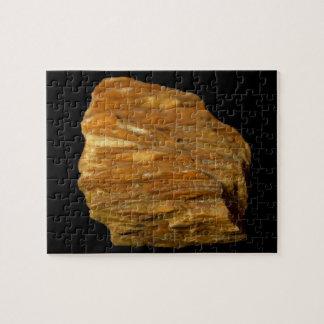 Puzzle Foto mineral de la baritina con cresta en negro