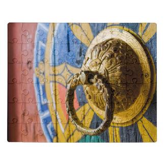 Puzzle Golpeador de puerta colorido