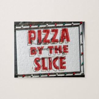 Puzzle La diversión y la pizza difícil firman adentro luz