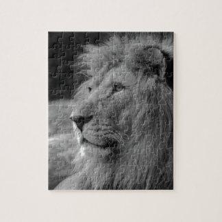 Puzzle León negro y blanco - animal salvaje