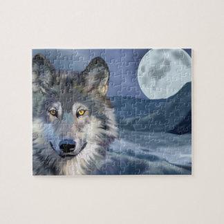 Puzzle Lobo hermoso de la escena del invierno