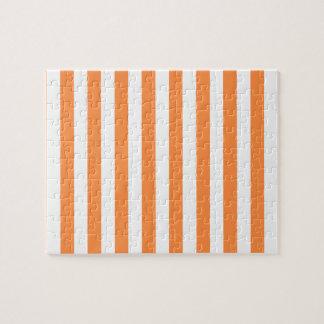 Puzzle Modelo anaranjado y blanco de la raya