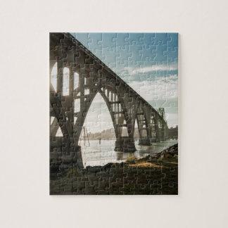 Puzzle Puente de la bahía de Yaquina en Newport, Oregon