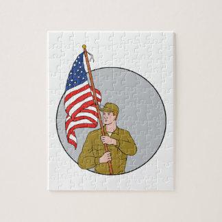Puzzle Soldado americano que sostiene el dibujo del