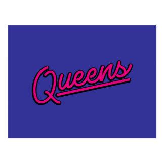 Queens en magenta postal