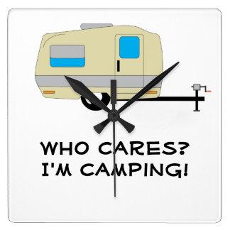 Quién cuida, estoy acampando reloj cuadrado