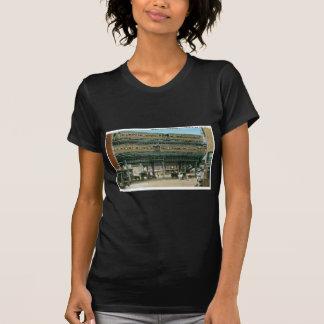 R.R. elevado frondoso y de dos pisos, NYC Camisetas