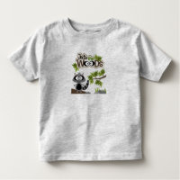 Racoon lindo en la camiseta del niño de maderas