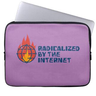 Radicalizado por el Internet Funda Para Portátil