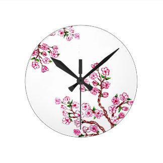 Rama de Sakura que pinta 3 Reloj Redondo Mediano