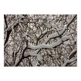 Ramas de árbol nevadas invitación 12,7 x 17,8 cm
