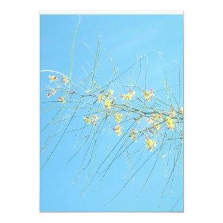 Ramas de la primavera en invitaciones del boda del invitación 12,7 x 17,8 cm