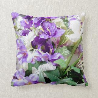 Ramo de almohada cuadrada de las flores