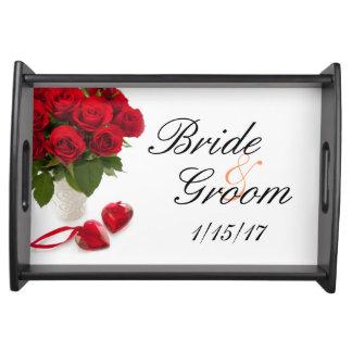 ramo del boda de rosas rojos bandejas