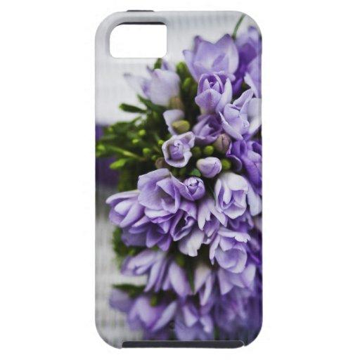 Ramo nupcial del azafrán de la lavanda iPhone 5 Case-Mate protector