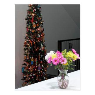 Ramo y árbol de navidad coloridos de la flor postal
