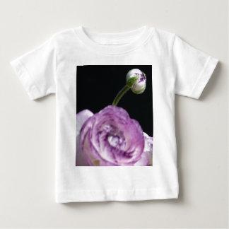 Ranúnculo persa blanco del asiaticus del ranúnculo camiseta de bebé