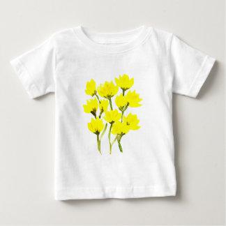 Ranúnculos hermosos de la acuarela camiseta de bebé