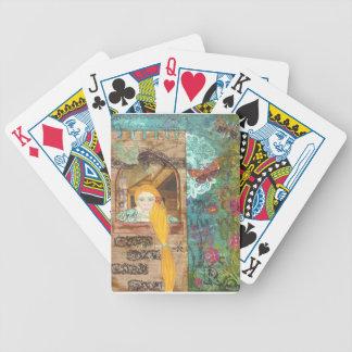 Rapunzel, soñando barajas de cartas