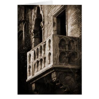 Rapunzel, tarjeta romántica, balcón europeo viejo