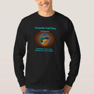 Rastro de la turquesa a través de la camiseta