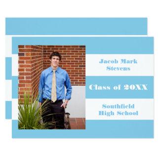 Raya azul y blanca - invitación de la graduación