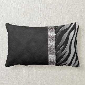 Raya blanco y negro de la cebra del ante de cojín