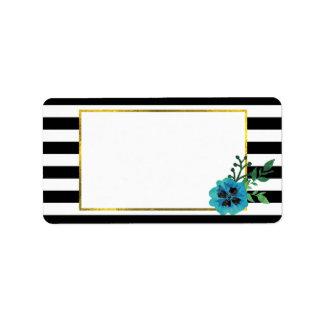 Raya negra y etiquetas de dirección florales