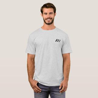 Raya vertical del Tripple de ///de la camiseta