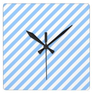 Rayas azules y blancas reloj cuadrado