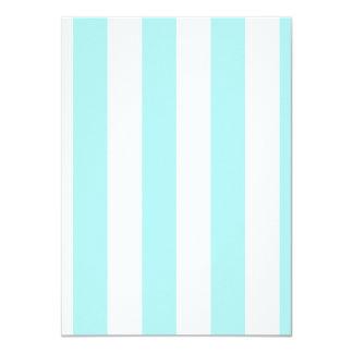 Rayas - blancas y azul claro invitación 11,4 x 15,8 cm