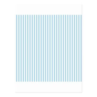 Rayas - blancas y azules claras postal