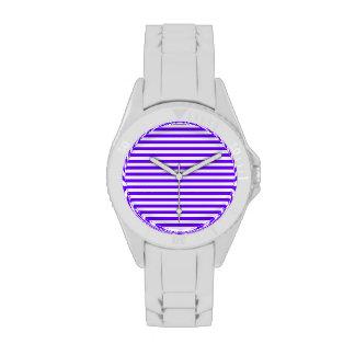 Rayas brillantes del añil, de la violeta, púrpuras relojes de mano