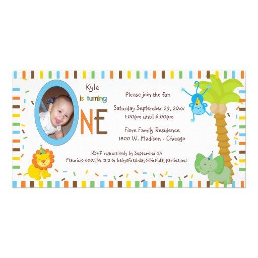 Rayas caprichosas y cumpleaños de los animales pri tarjeta fotográfica personalizada