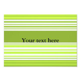 Rayas de neón modernas del verde y del musgo invitacion personalizada