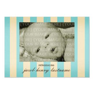 Rayas del vintage de la invitación del nacimiento