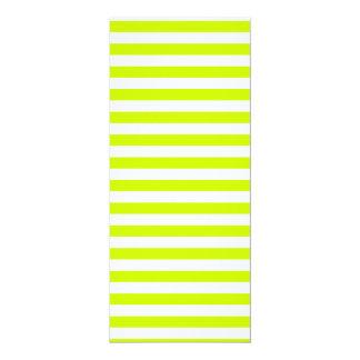 Rayas finas - blancas y amarillo fluorescente invitación 10,1 x 23,5 cm