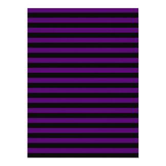 Rayas finas - negras y violeta oscura invitación 16,5 x 22,2 cm