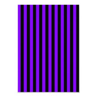 Rayas finas - negro y violeta invitación 8,9 x 12,7 cm