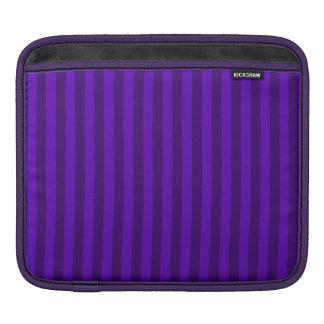 Rayas finas - violetas y violeta oscura funda para iPad