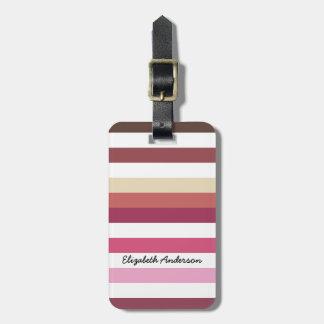 Rayas horizontales anchas rosadas femeninas con etiquetas para maletas