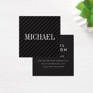 Rayas negras minimalistas con la fuente del trazo tarjeta de visita cuadrada