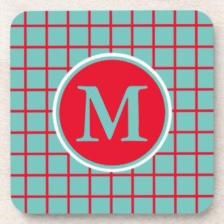 Rayas rojas brillantes del enrejado en monograma posavasos