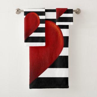 Rayas rojas del blanco del negro del corazón