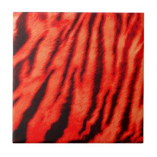 Rayas rojas salvajes y vibrantes del tigre azulejo cuadrado pequeño