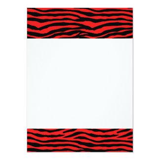 Rayas rojas y negras de la cebra invitación 13,9 x 19,0 cm