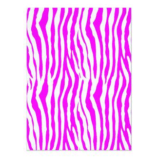 Rayas rosadas de la cebra invitación 13,9 x 19,0 cm